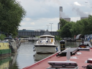 Approaching Sawley Lock
